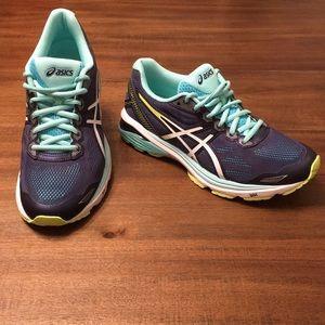 ASICS Women's GT-1000 6 Running Shoe. Size 8.